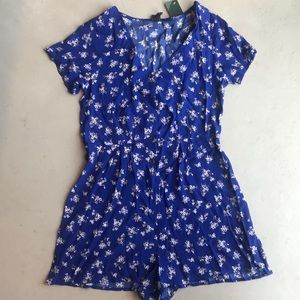 Royal blue short sleeved jumper with floral patter